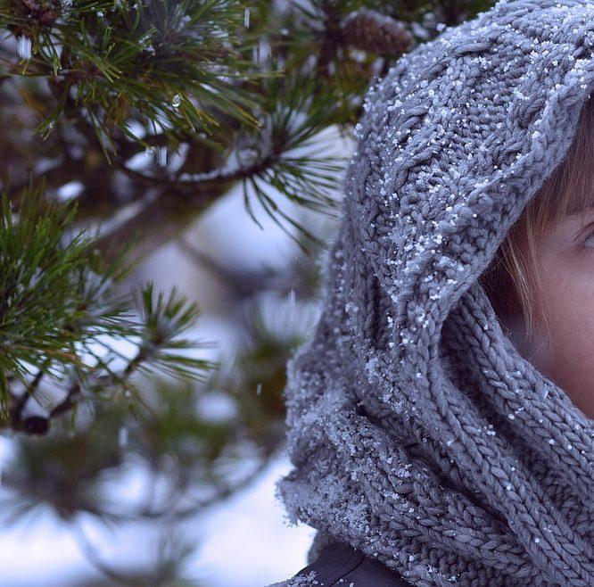 Videoguide: Sådan strikker du dit eget tørklæde